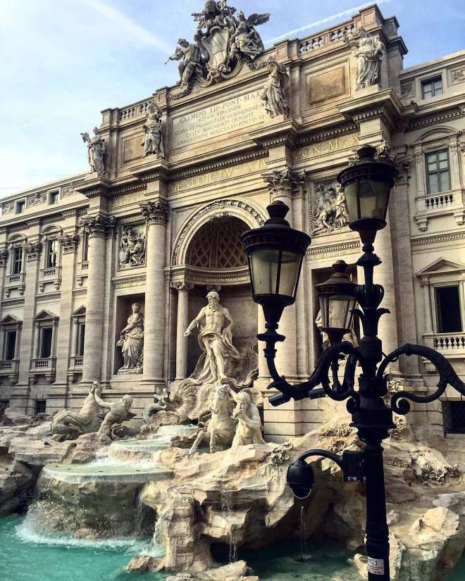 #Roma#beautiful #story #art #design #Restored #fountain #love Oggi Son passata a vedere la bellissima #fontanaditrevi appena restaurata. Bellissima! Volevo condividerla con voi. Buona giornata!  http://ift.tt/1lv25mG http://ift.tt/1lv0oFL