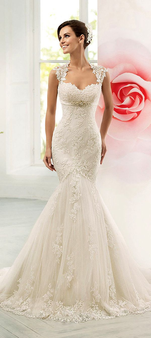 Glamorous tulle sweetheart neckline mermaid wedding dress with lace