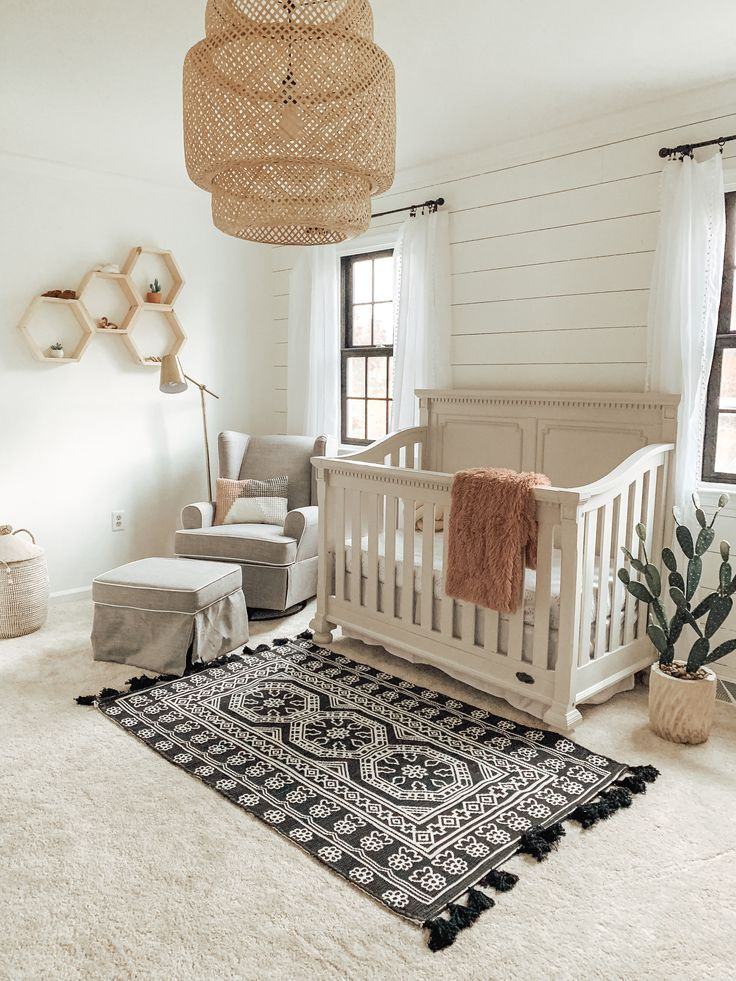 Gender neutral nursery #nurseryideas