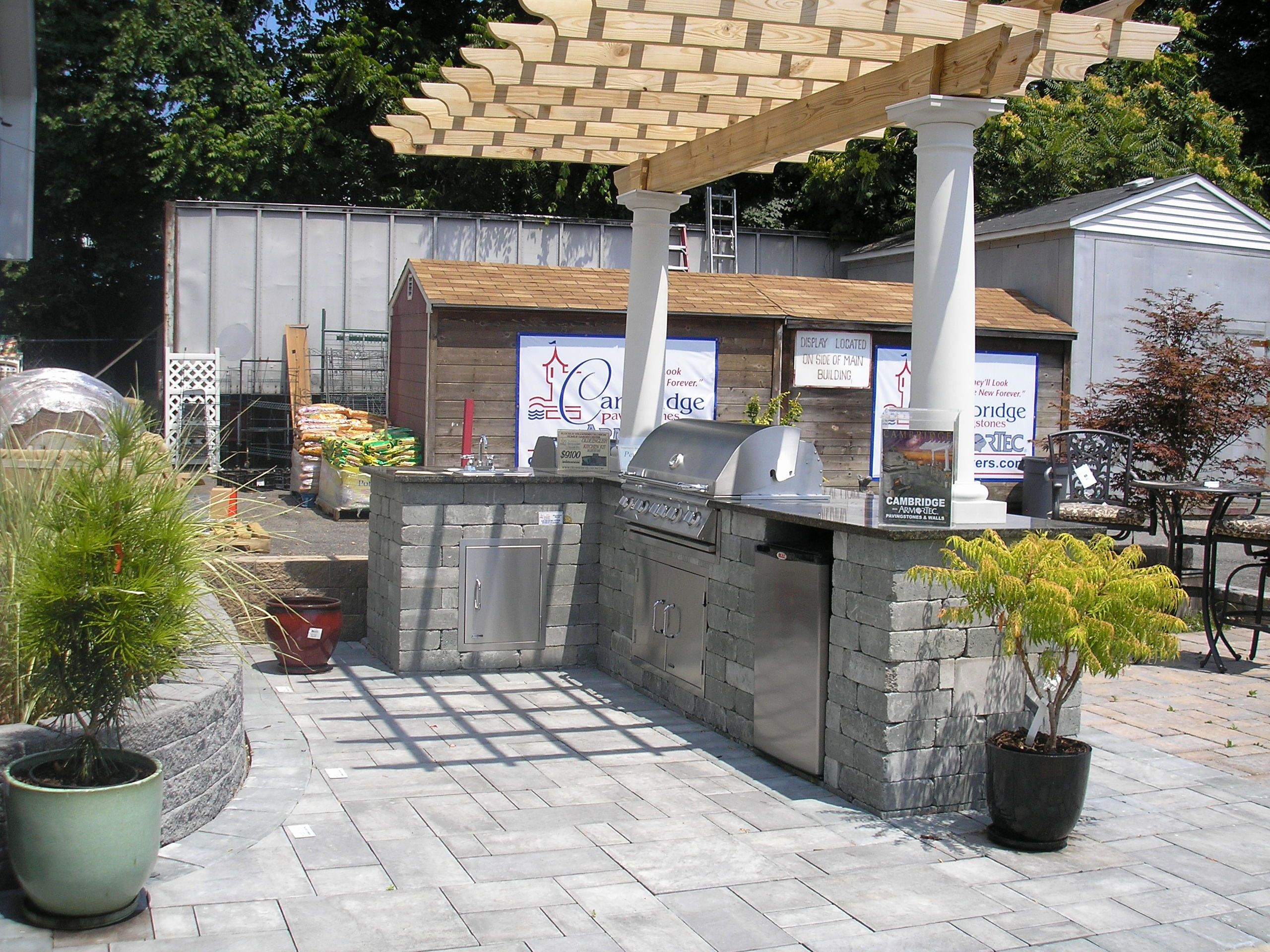 building an outdoor kitchen awesome attractive outdoor kitchen rh pinterest com