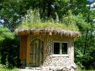 Hobbit House In The Summer Hobbit House House Unusual Homes