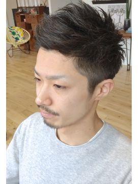 ソフトモヒカンツーブロック ハサミで作る ソフトモヒカンスタイル 藤山将太 アジアの男性のヘアスタイル 髪型 メンズ ソフトモヒカン