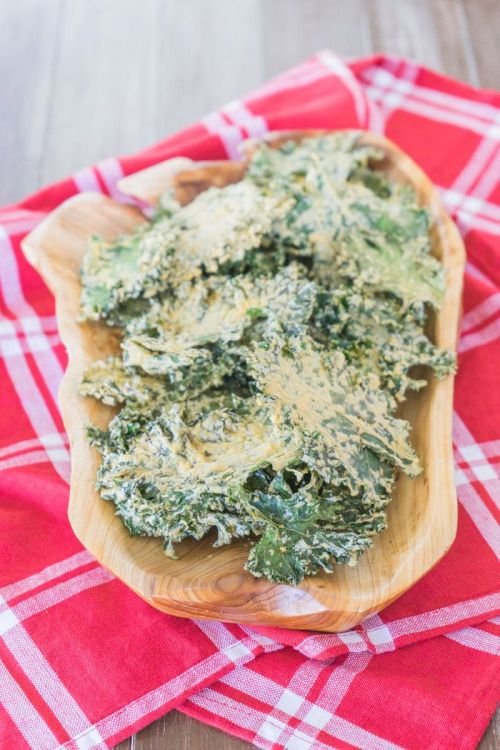 veganrecipecollection:  (via Cheesy Kale Chip Recipe | One Ingredient Chef)  http://ift.tt/2fjGCeb #Recipes #Food