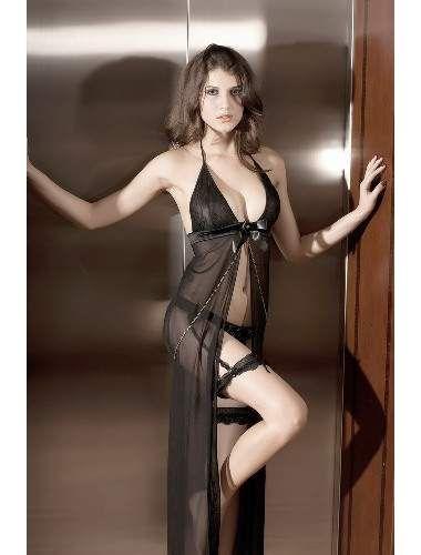 Sexy girl in bikini cameltoe