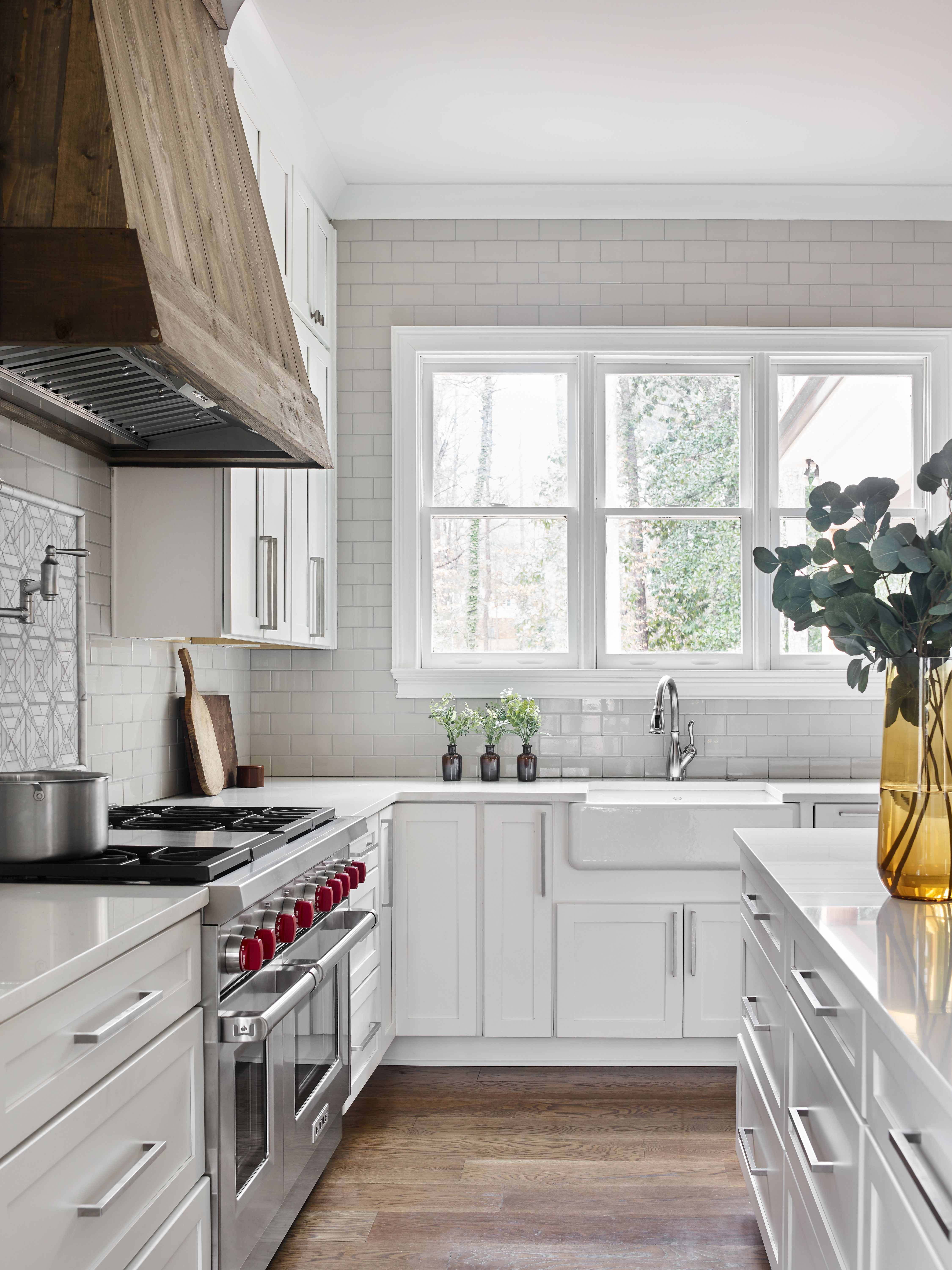 Modern Farmhouse Kitchen in 2020 Kitchen styles