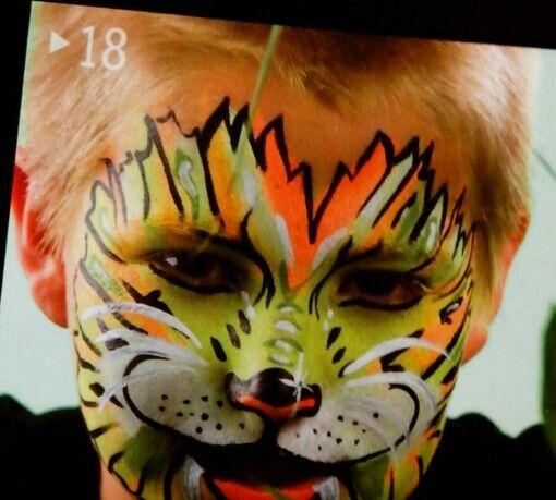 Cara pintada: león