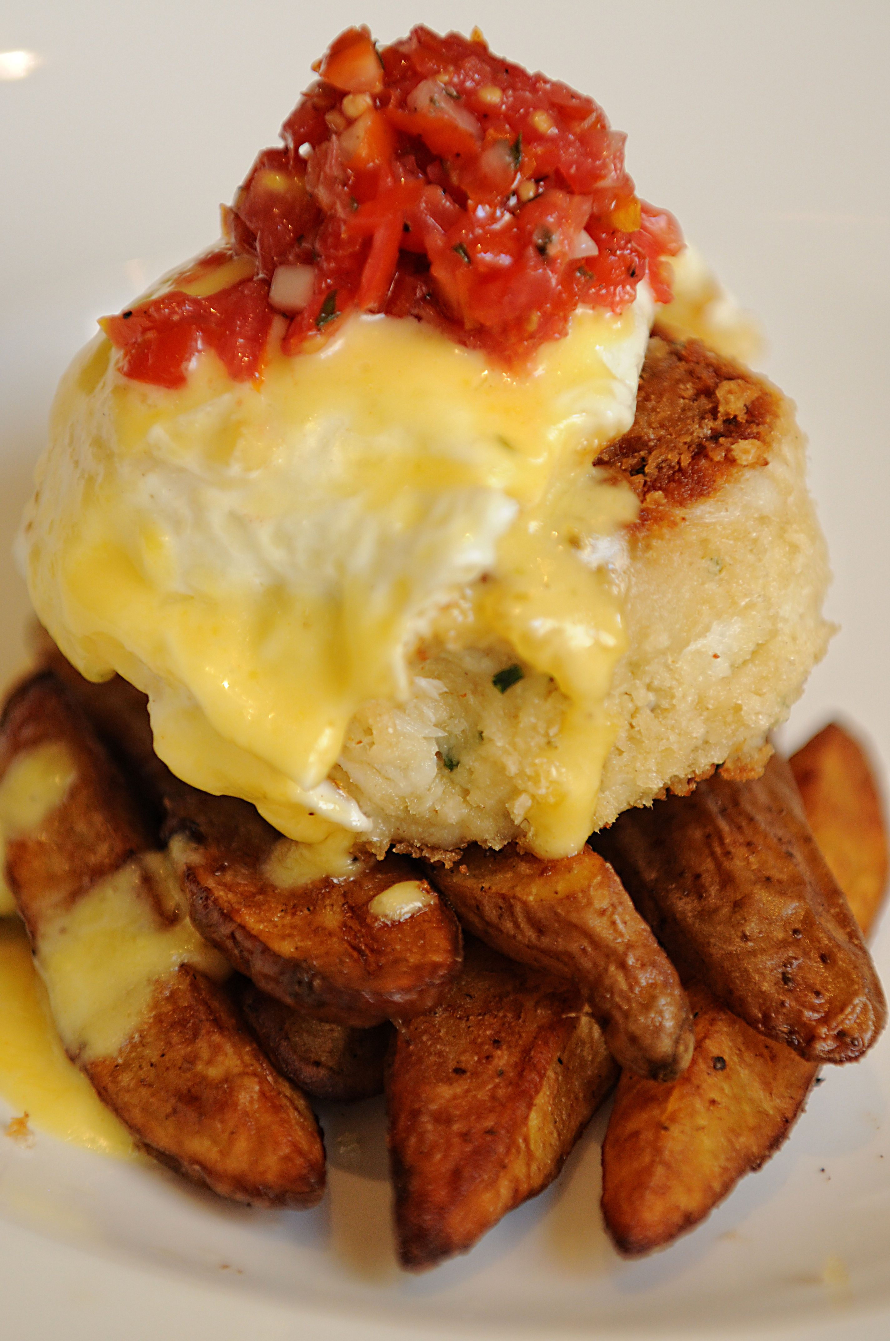 Yum South City Kitchen S Crab Cake Hash We Re Telling You How