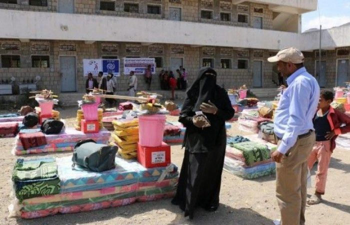 اخبار اليمن : توزيع 1100حقيبة إيواء شتوية للأسر النازحة بمديريات المظفر ، القاهرة وجبل حبشي بتعز