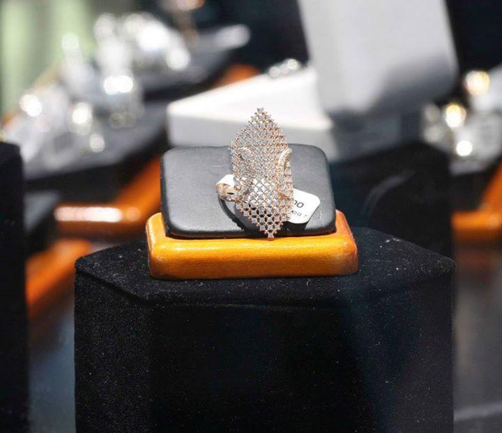 18+ San diego jewelry and loan viral