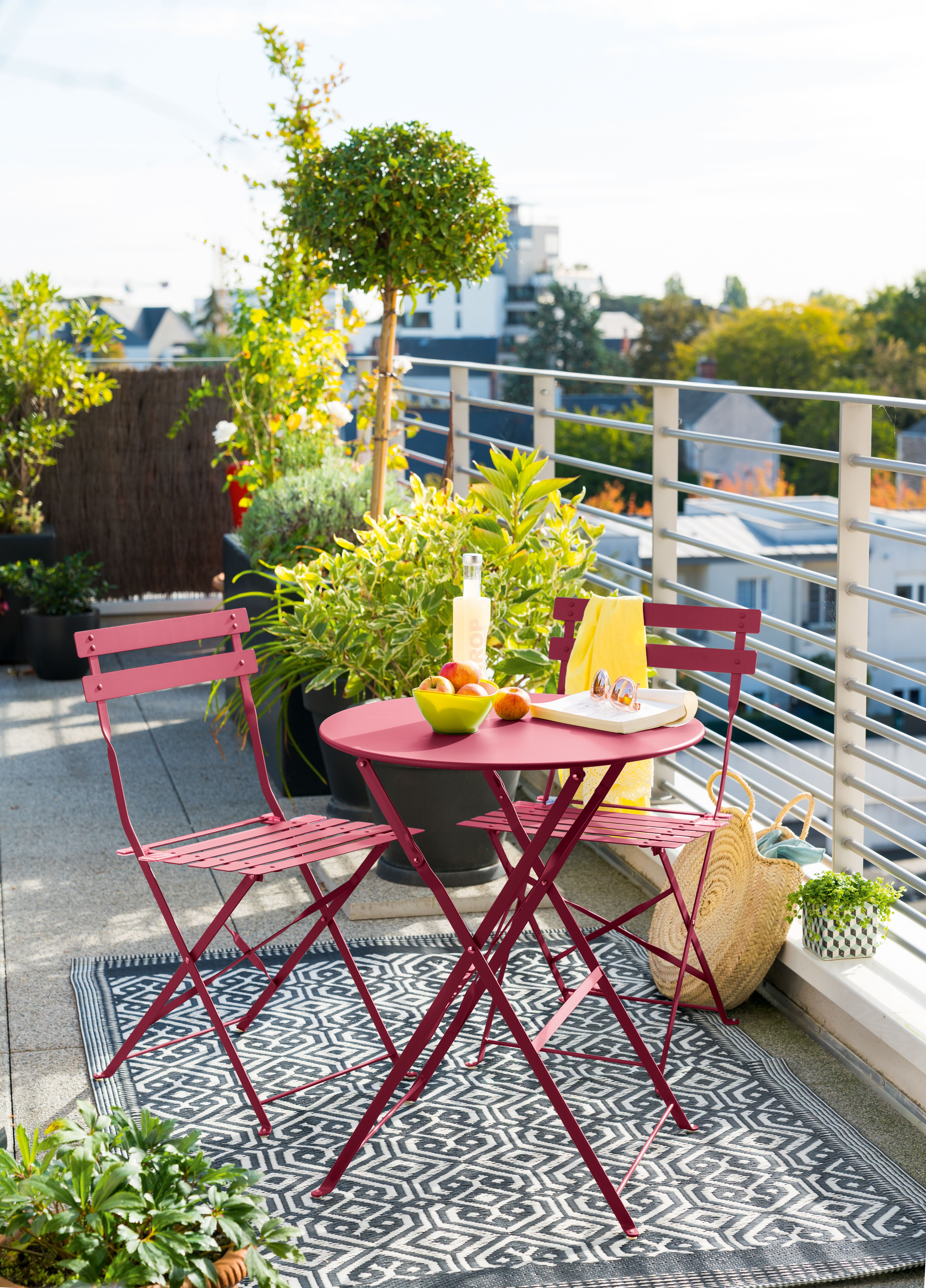 La Table Pliable Ronde Centrakor En 2020 Table De Jardin Pliante Table De Jardin Petite Table De Jardin