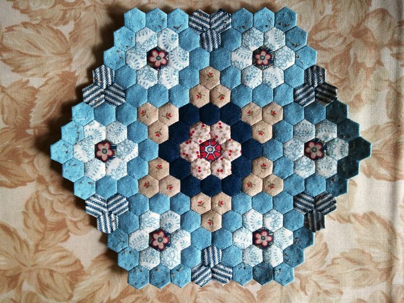Hexagon quilts lots of inspirations | Quilting | Pinterest ...