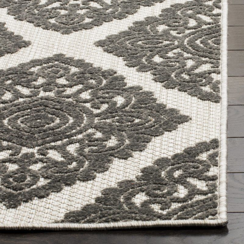 The Cottage Collection Is Made With A Polypropylene And Polyester And Uses The Latest Colors To Creat Cottage Rugs Indoor Outdoor Rugs Indoor Outdoor Area Rugs
