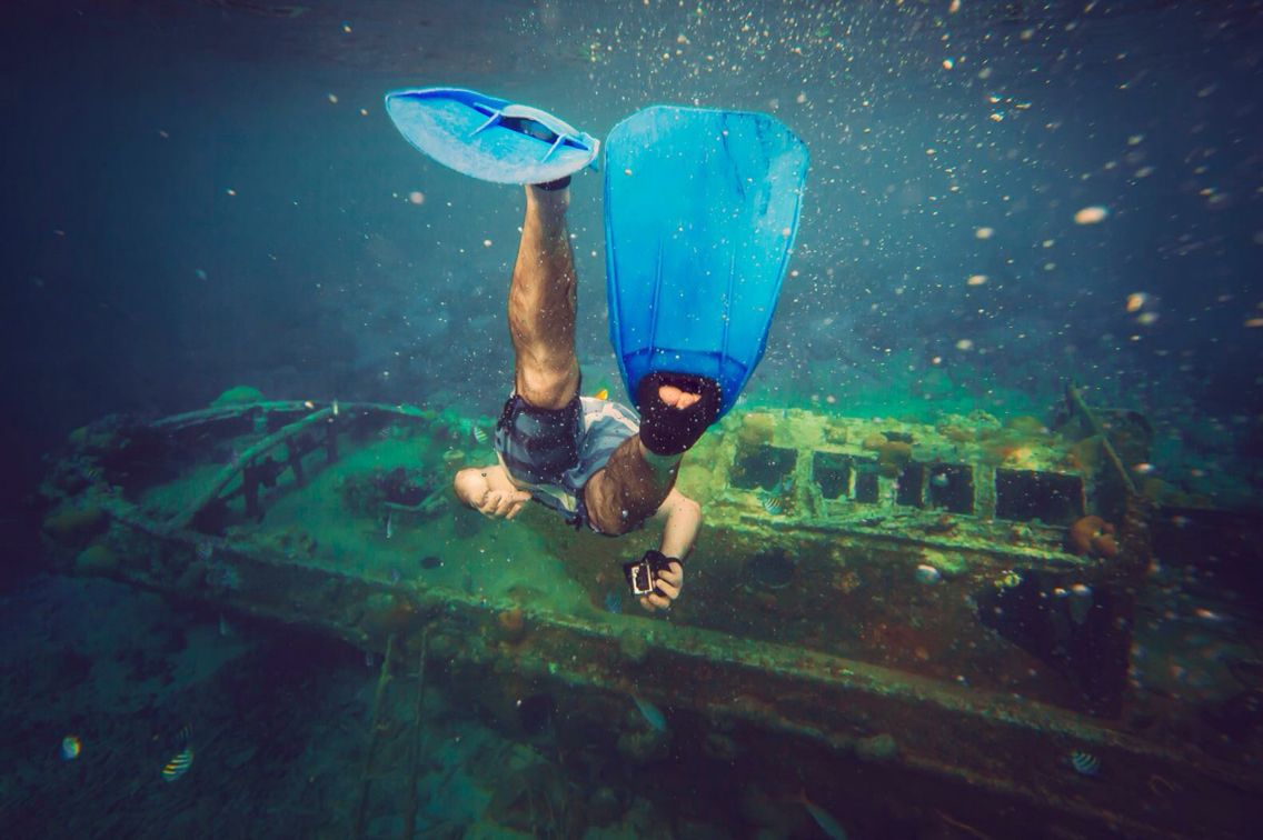 Are you in Curacao ? Then you must to go diving @ the Tugboat!! ❤️