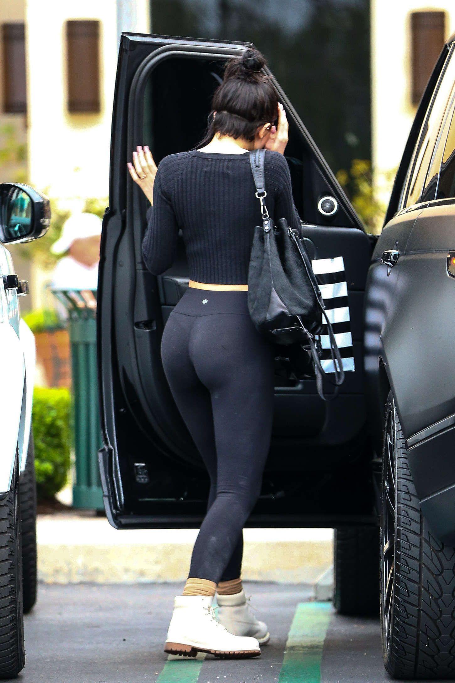 booty Kylie jenner