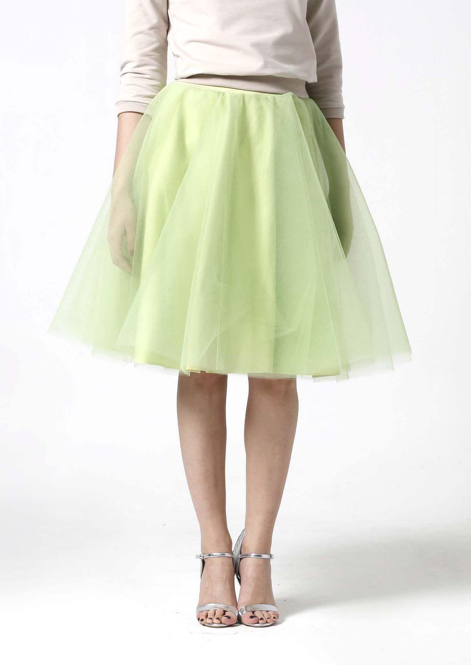 73fec7c2db41 Tylová sukňa Midi bledo zelená.