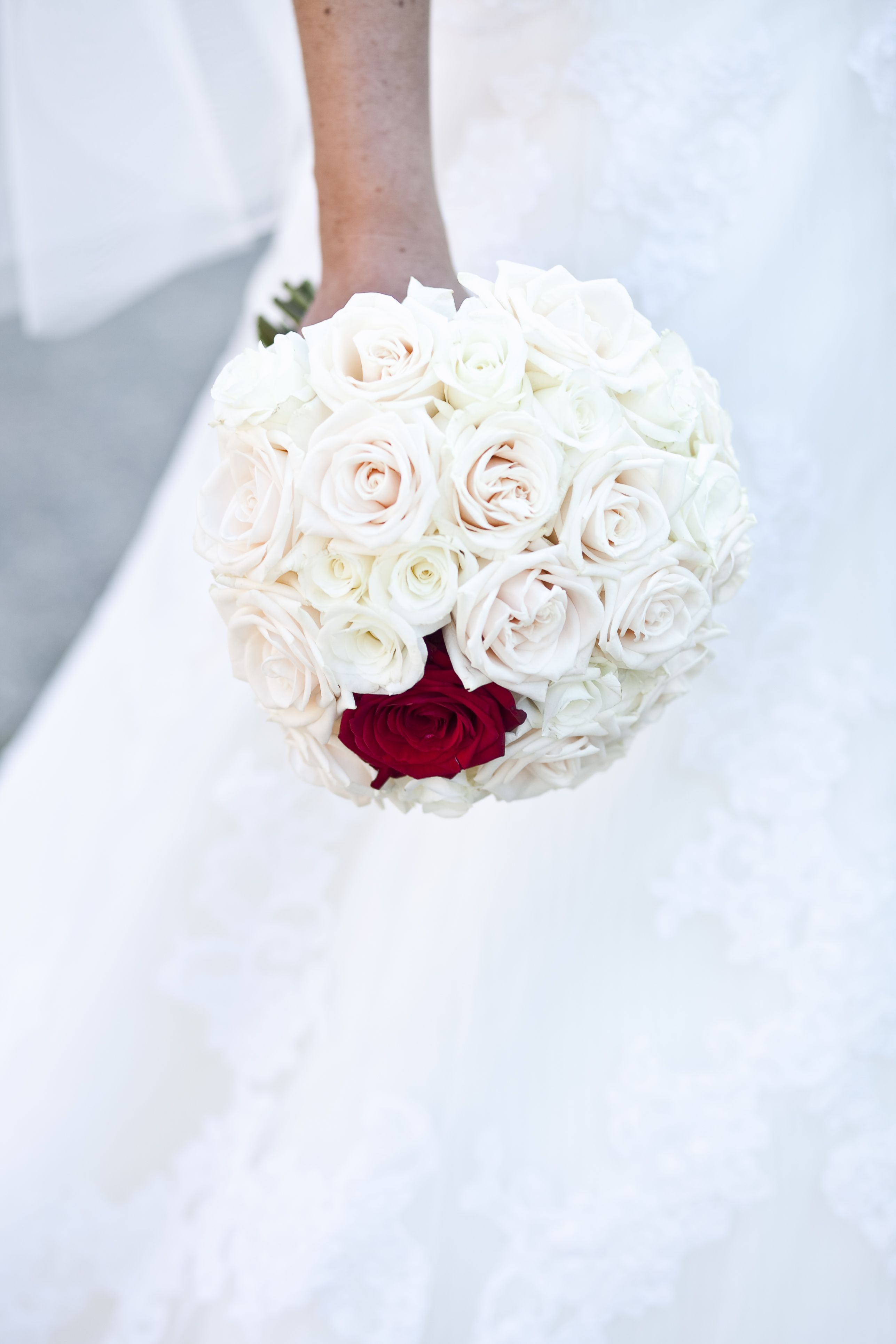 Bouquet With White Roses And One Red Rose White Flower Bouquet White Wedding Bouquets Red Rose Bouquet [ 3861 x 2574 Pixel ]