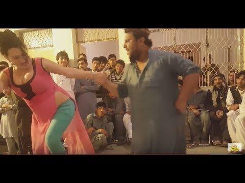 Pashto Hot Girl Dance At Pashto Song U Must Watch
