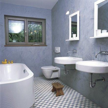 Schlicht und elegant - fliederfarbenes Badezimmer mit grau-weißen - mosaik im badezimmer