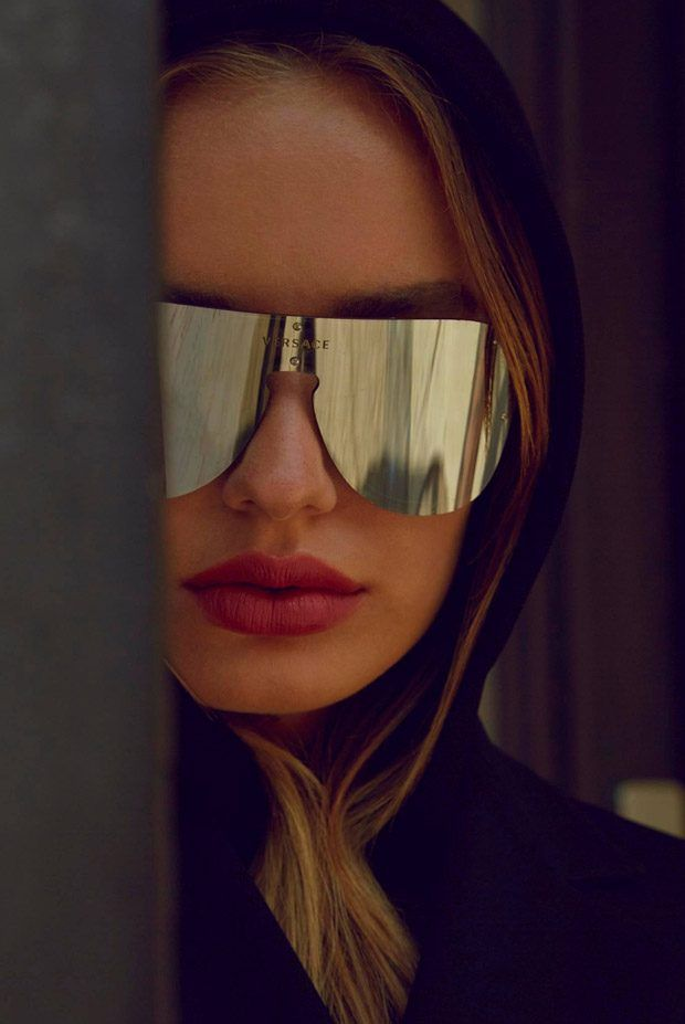 bfe608a31c37 Sonya Esman Models Versace Summer 2017 #Frenergy Sunglasses http://www.deal