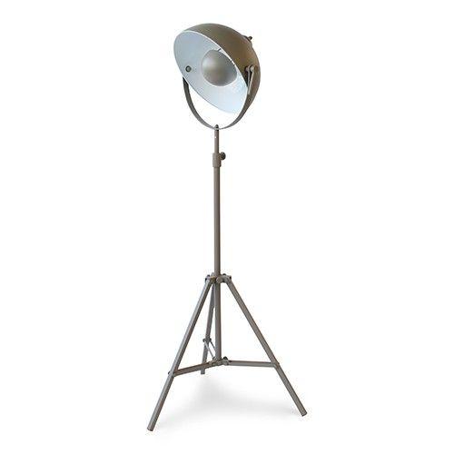 Deze vloerlamp heeft de look van een professionele studiolamp. Het ...