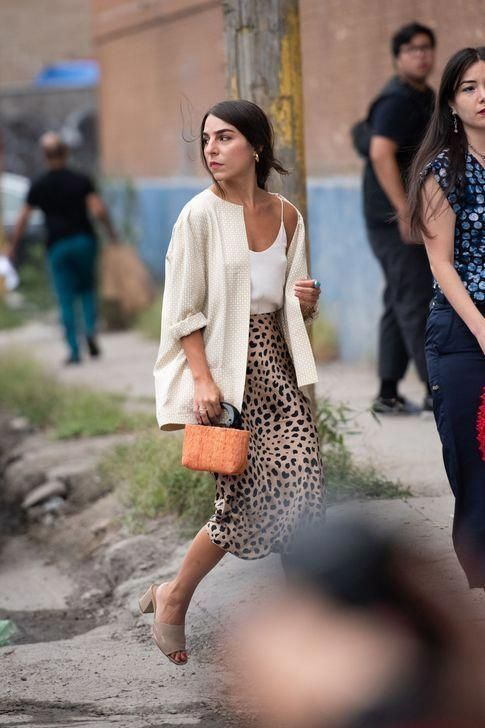 99 Awesome Fall Street Style That Can Inspire Your Fashion This Year #fashion #ootd #streetclothing #trendystreetstyle
