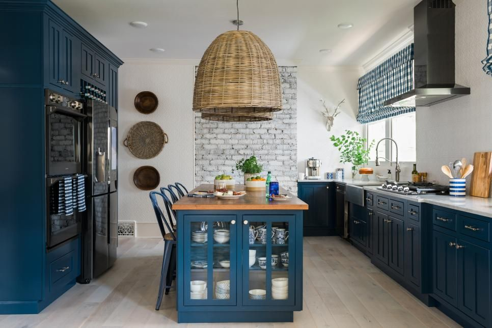 Before and After Pictures from HGTV Urban Oasis 2017 | Cocinas