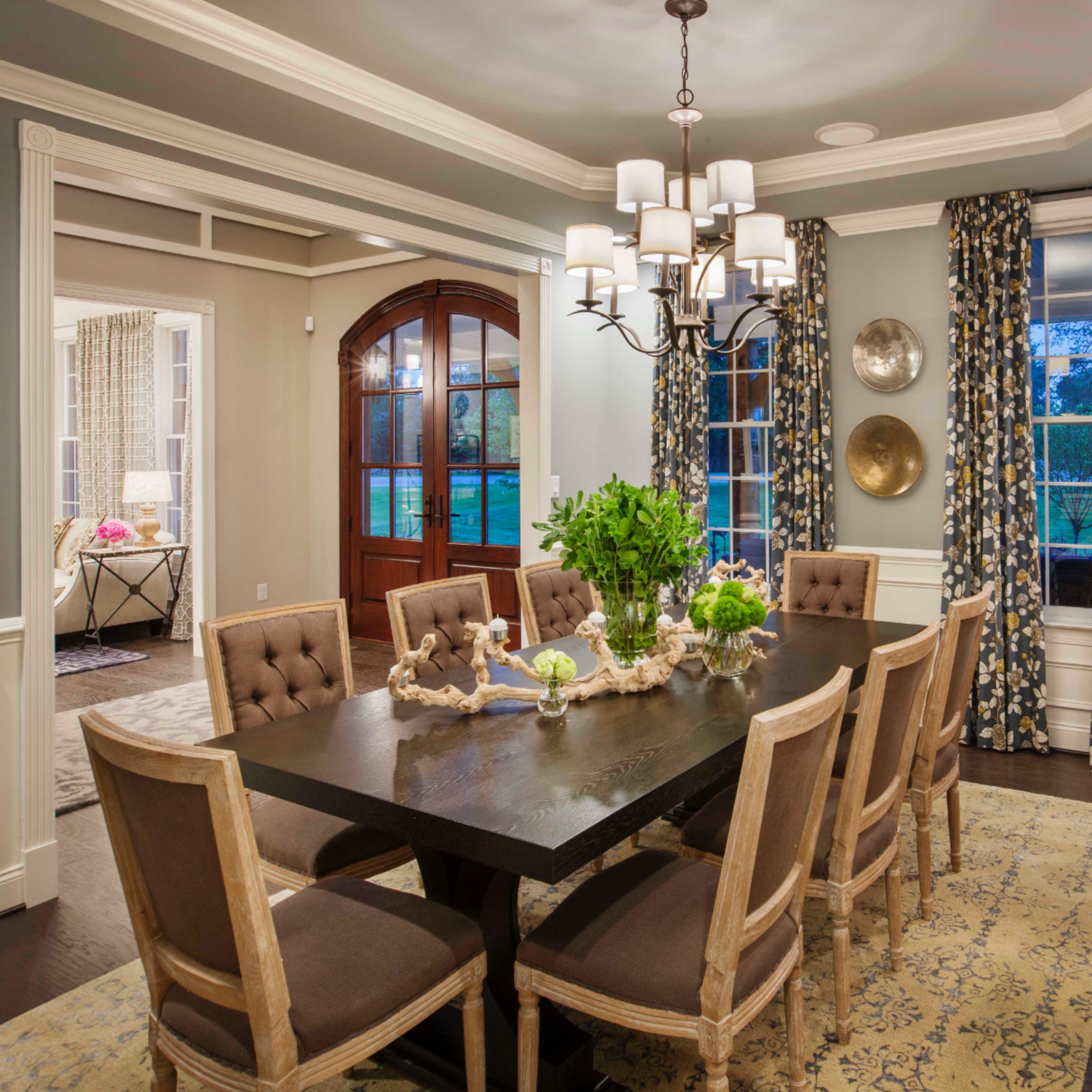 The Elegant Traditional Style Inspire Chandelier Illuminates A