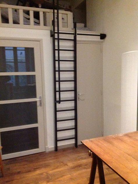 echelle escamotable acier plus dernier etage altillo. Black Bedroom Furniture Sets. Home Design Ideas