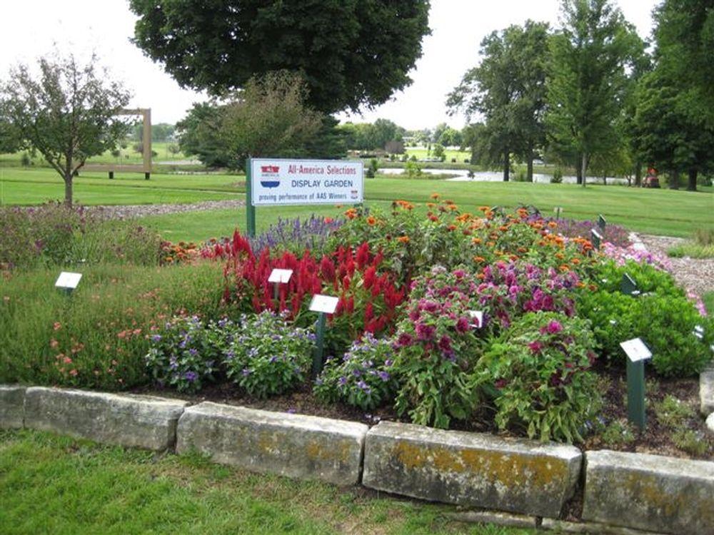 e35a8e4e3a6db43309010a31c30a708a - Who Owns The Gardens Of Cedar Rapids