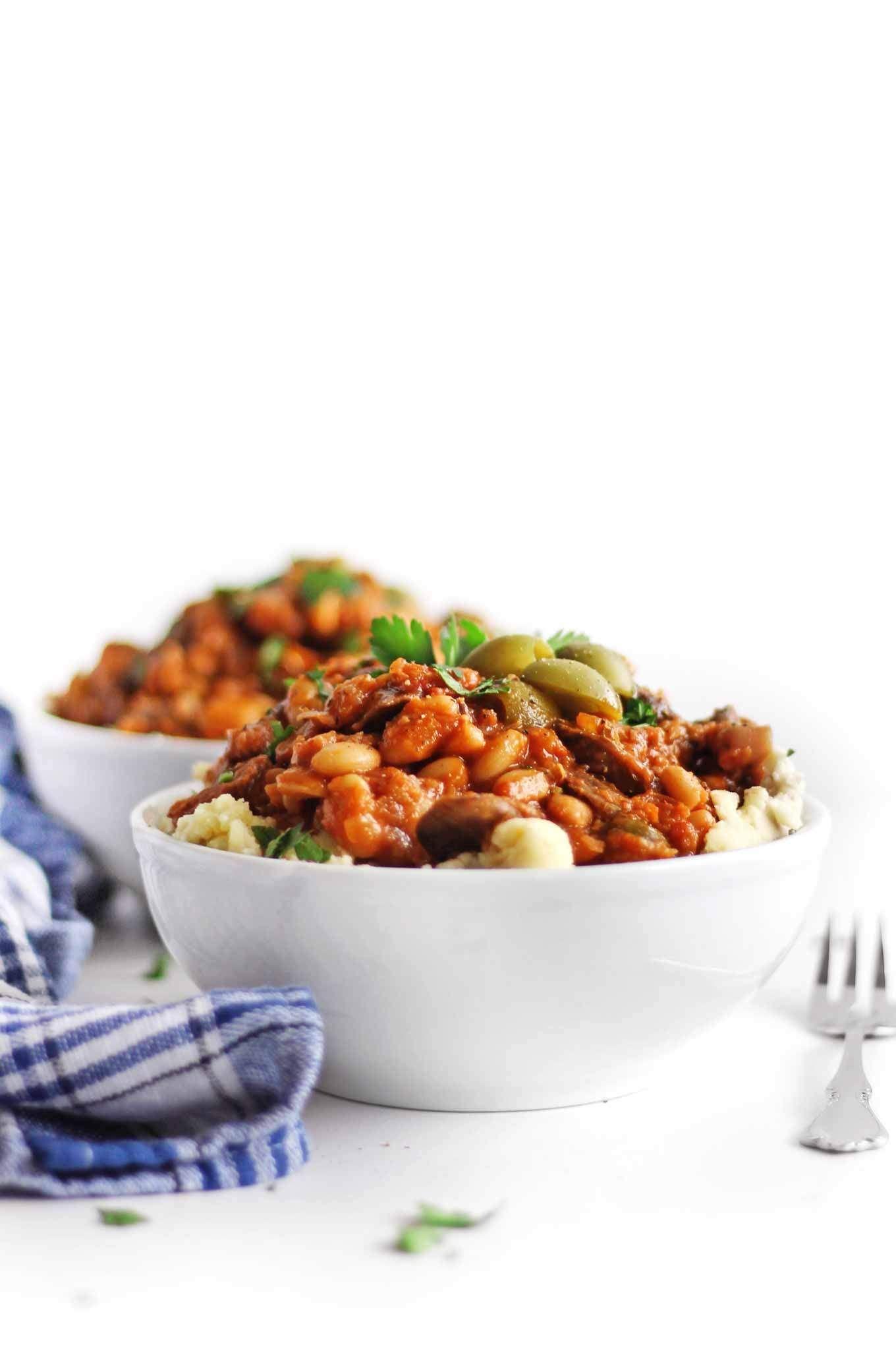 Instant Pot Vegetarian Cacciatore Recipe This Delicious Pressure Cooker Vegan Cacciatore Is Mad Vegetarian Instant Pot Northern White Bean Recipe Bean Recipes