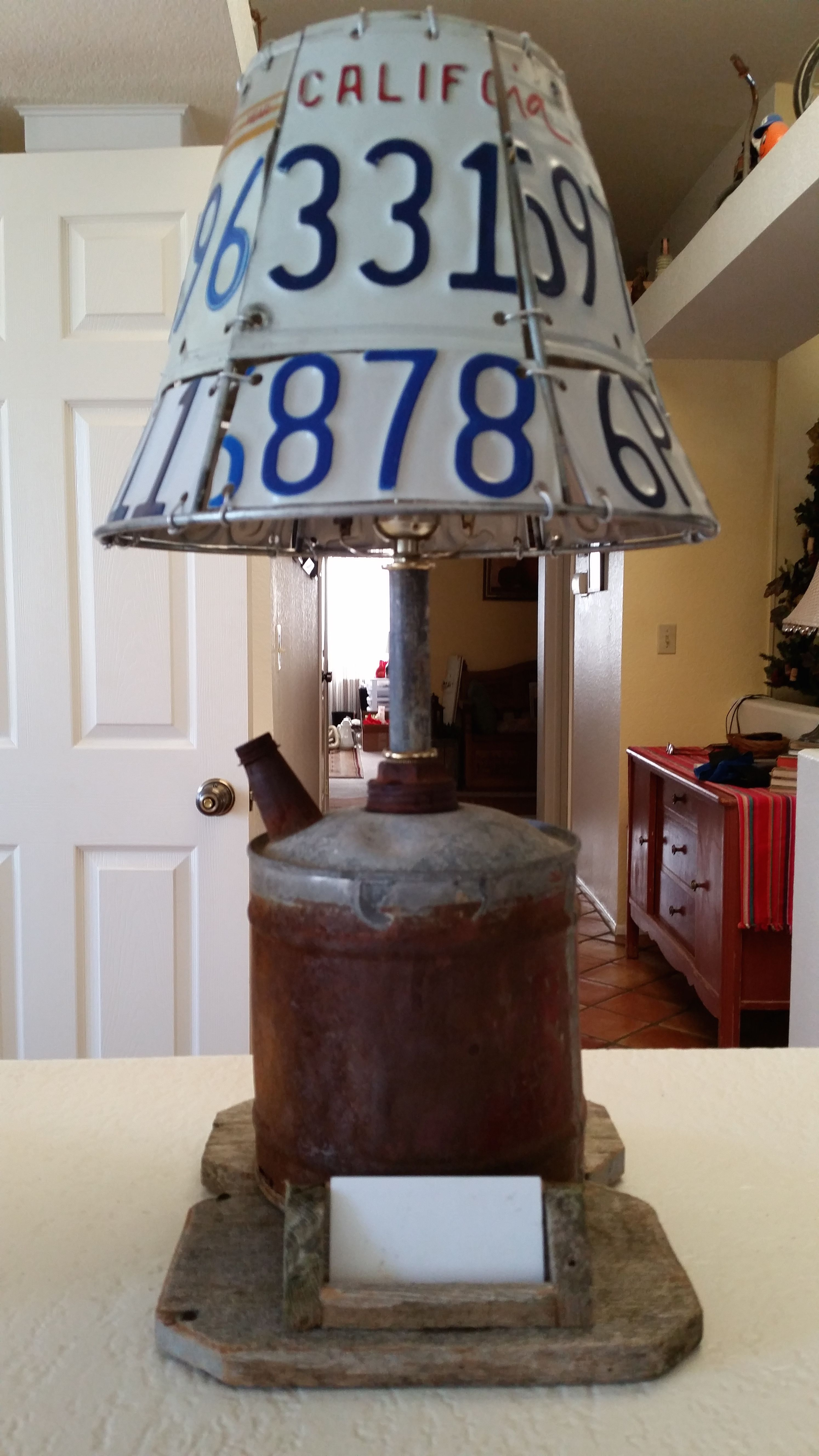 Fuel can desk lamp with license plate lamp shade and