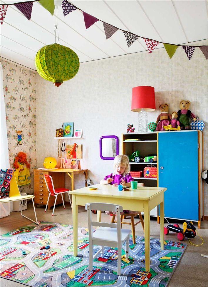 Banderines de tela en habitaci n infantil ideas para - Casas de tela para ninos ...