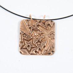 Collier métal bronze doré carré