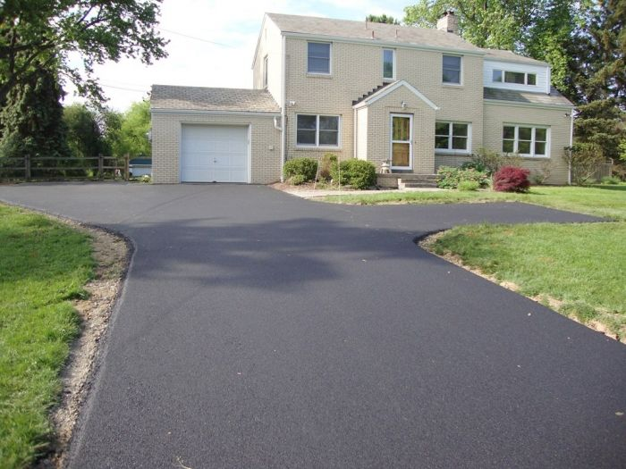 Asphalt contractor ny in new styles httpgoohy2lbx choosing the best driveway material depends on many factors heres a look at how concrete driveways and asphalt driveways compare with input from the pros solutioingenieria Choice Image