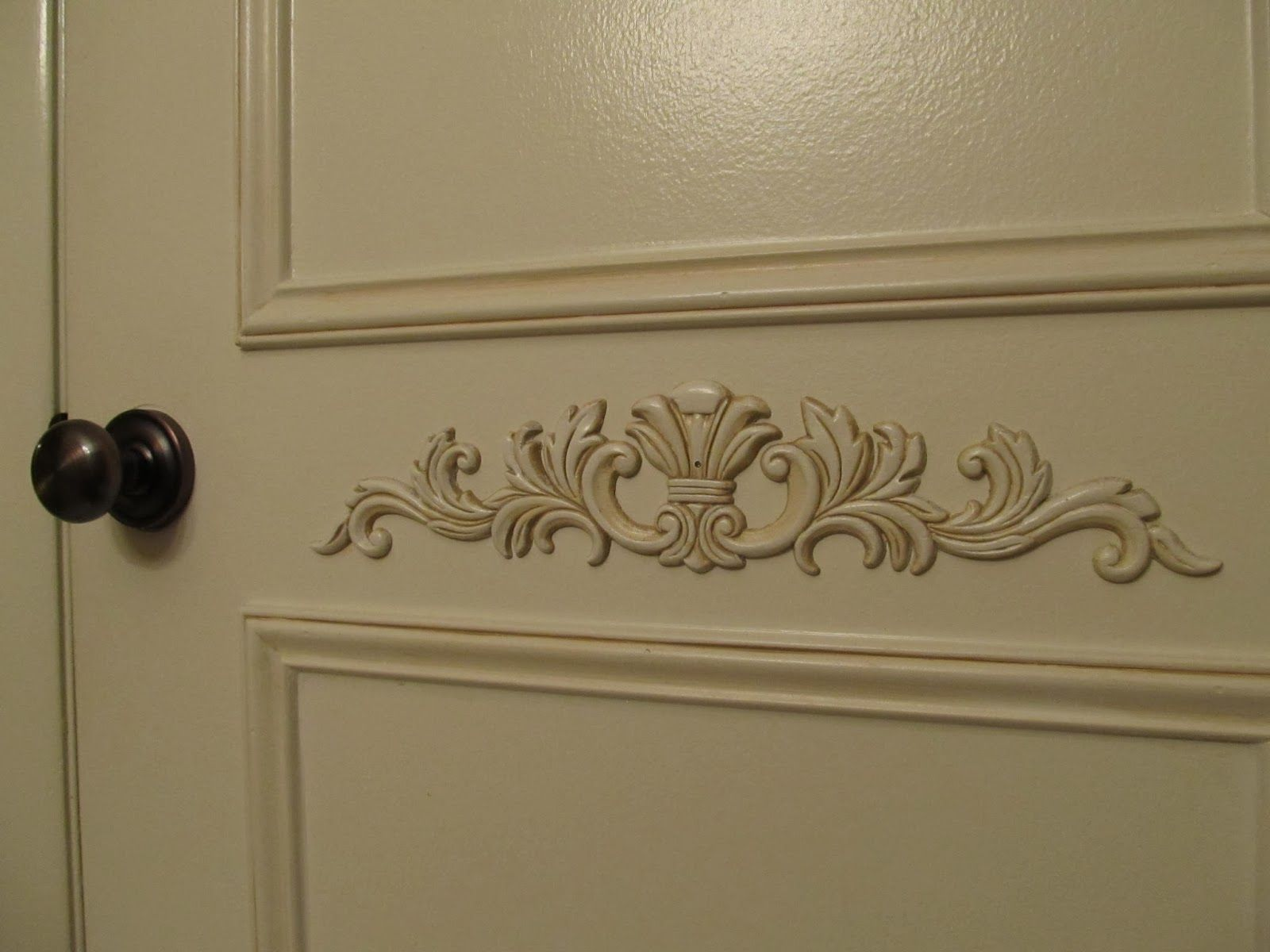 Adding Molding To A Door Gangdeur En Slaapkamerdeure Furniture Appliques Moldings And Trim Pantry Door