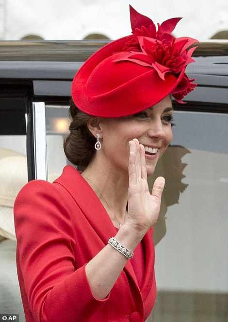 Kate Middleton waves to the crowds...