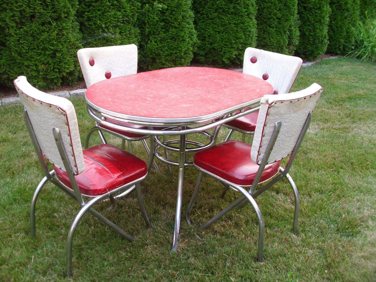 Chromcraft Furniture Kitchen Chair With Wheels Vintage 1950s Kitchen Table Chairs Table And Chairs Buttons