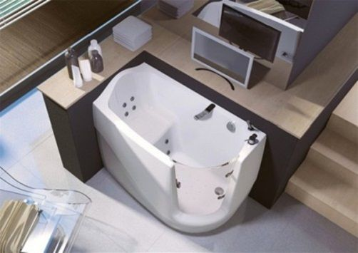 Walk in bathtubs p001 gen x by trees safe tub and shower for Big and tall walk in tubs