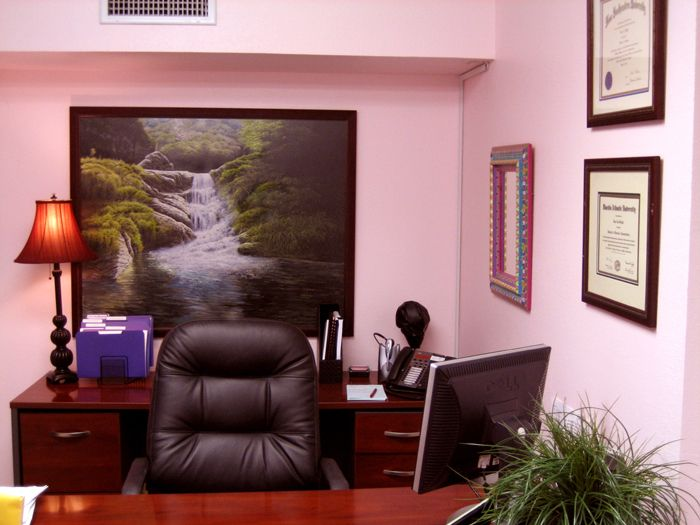 A pink and yet masculine office | Pink Office Spaces | Pinterest ...