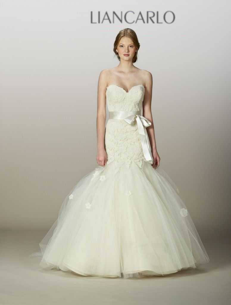 Liancarlo Spring 2013 - Off White mermaid gown! Beautiful!