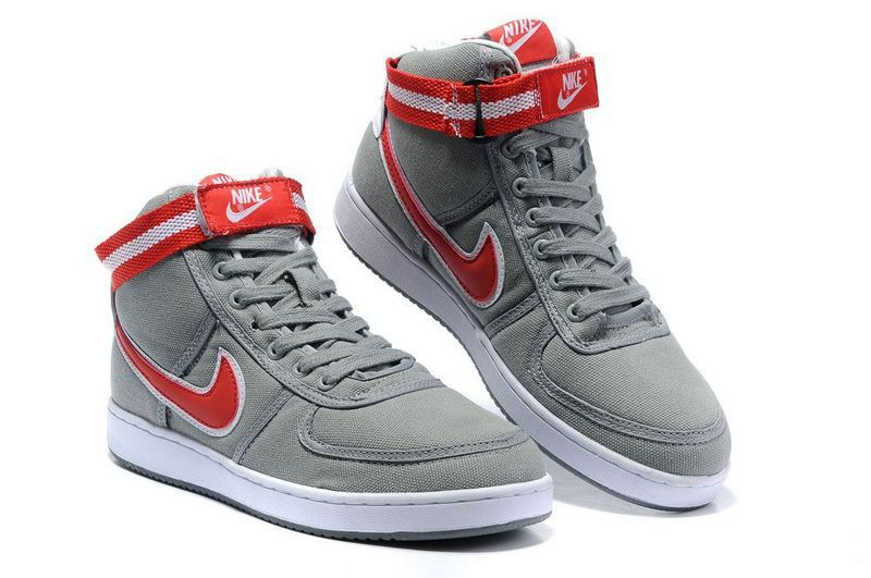 nike high top canvas shoes