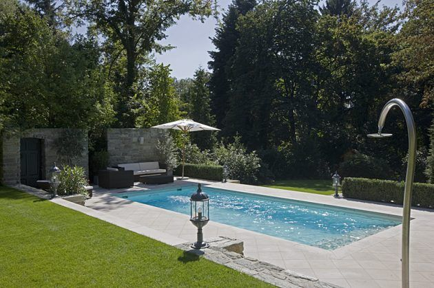 Perfect Swimmingpool im Garten