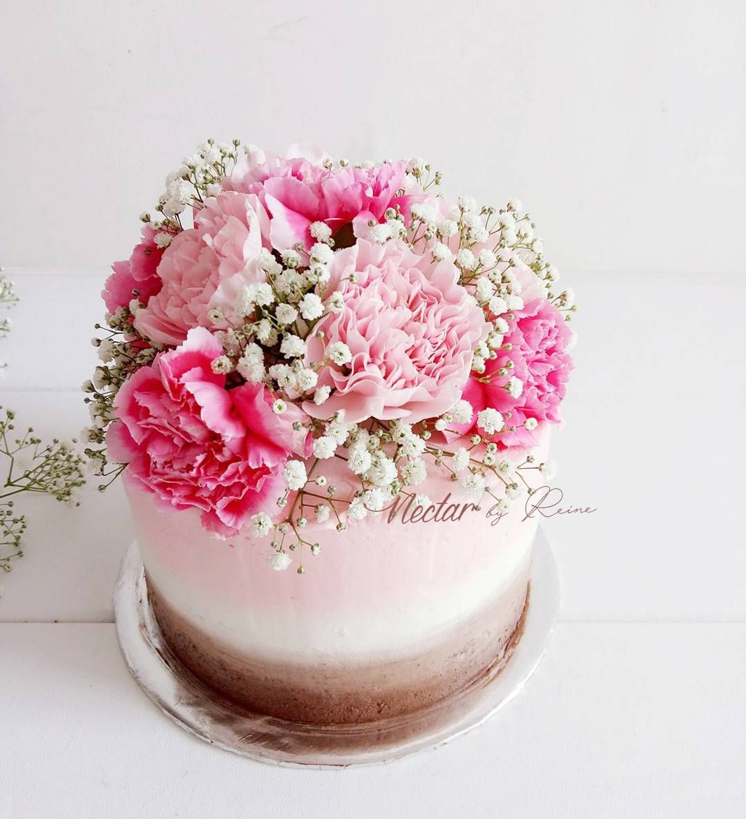 Pretty Pink Carnation Flower Birthday Cake In 2020 Birthday Cake With Flowers Birthday Flowers Cake Decorating
