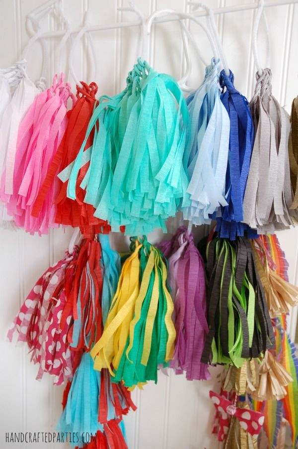 How to make tassel garlands the easy way using crepe for Decor using crepe paper