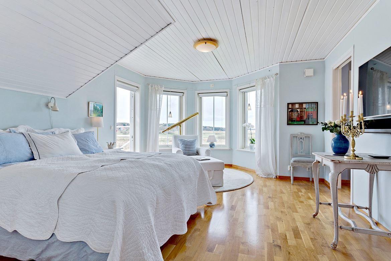 En sovrumsdröm med balkong. Högenvägen 126a - Bjurfors