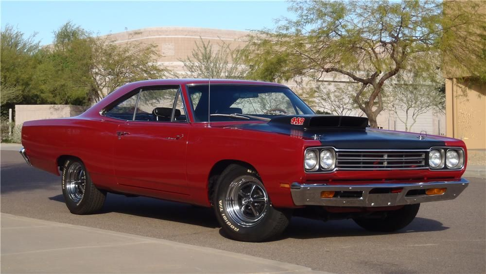 Wow What We Would Do To Get Behind The Wheel Of One Of These 39 69 Plymouth Road Runner Muscle