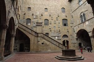 SIGHTS Palazzo Pubblico The Gothic Palazzo Pubblico The Focal - 10 things to see and do in florence