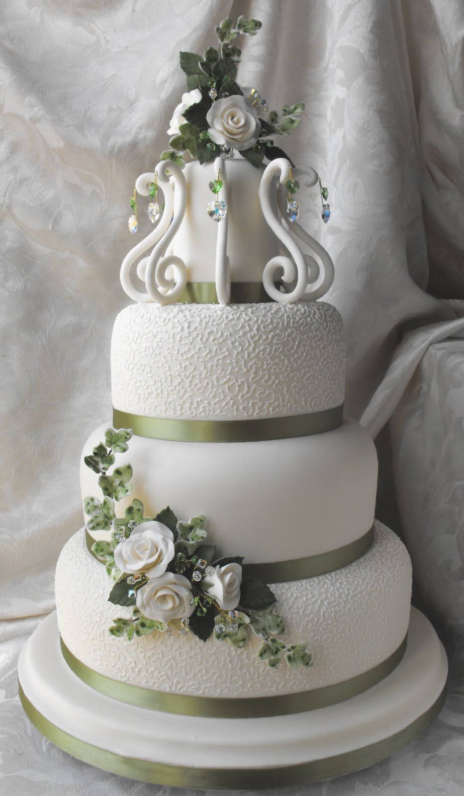 the most beautiful wedding cake ever made this is one of the most expensive wedding cakes in the 20877