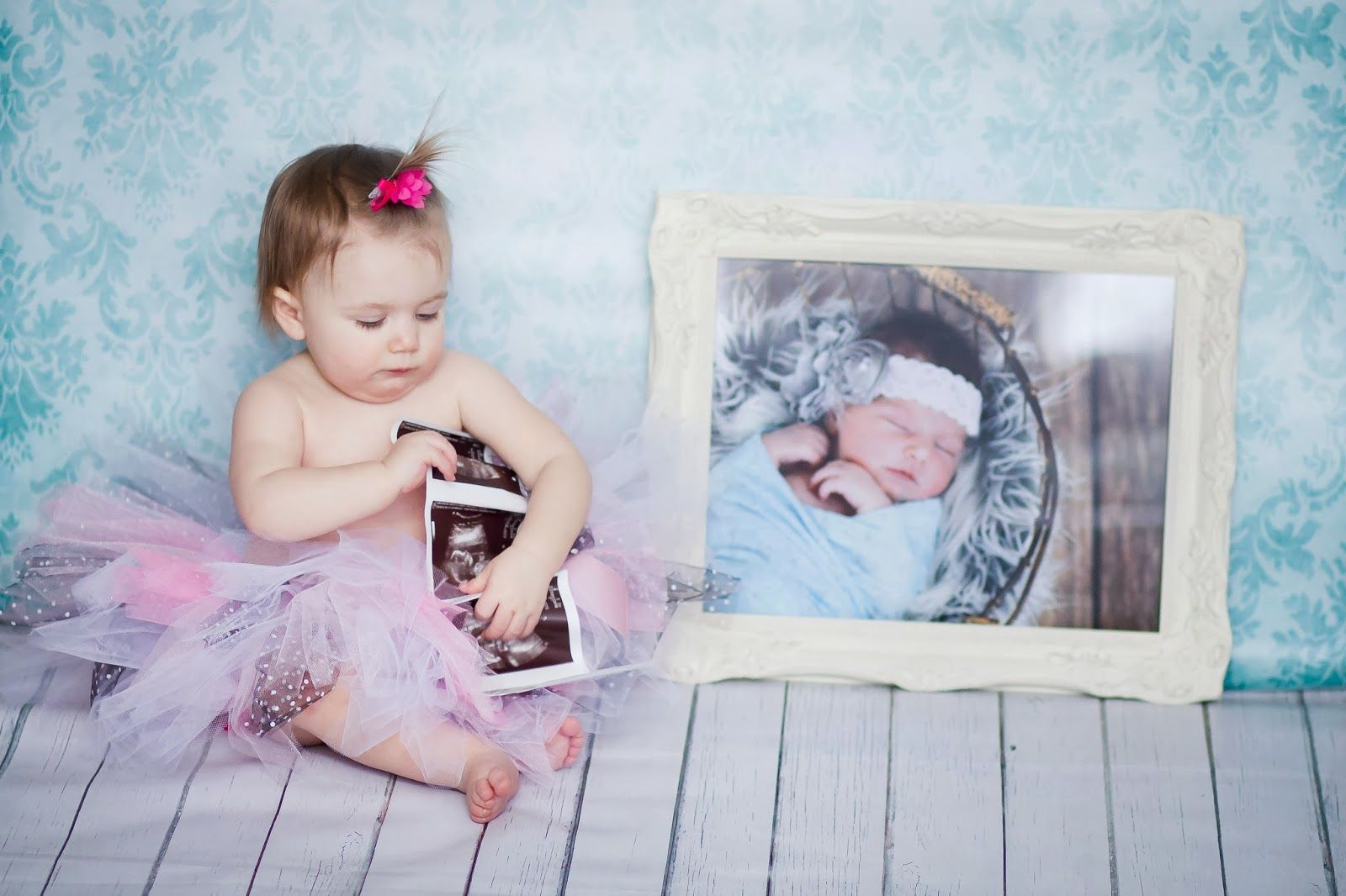 Unique Photo Pose for First 1st Birthday Photo Shoot
