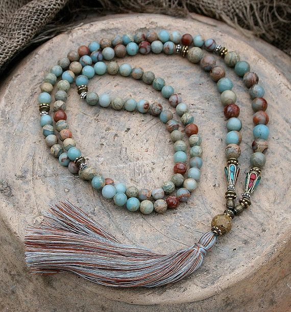 Beautiful mala made of 108, 8 and 10 mm - 0.315 and 0,394 inch, beautiful jasper gemstones and decorated with two handmade Nepalese beads - look4treasures op Etsy